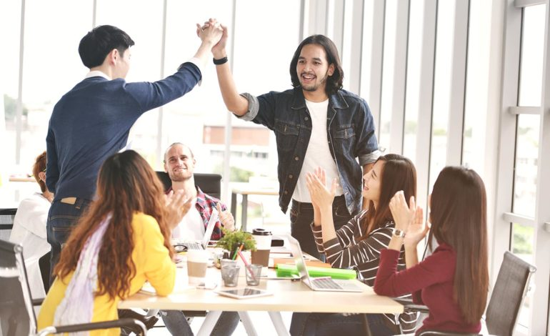 Connect with the newcomer tech entrepreneur community and find support